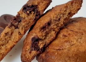 Biscuite integral einkorn cu maia si cioco neagra